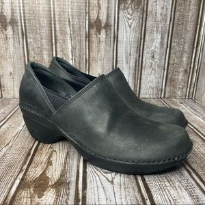 Merrell leather clogs - black - size 7
